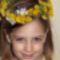 Csenge fűzött vadvirágaival öt évesen