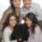 Anikó családja a szőrös gyerekkel együtt...