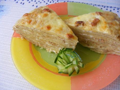 Burgonyás sajtos,sonkás rakott palacsinta