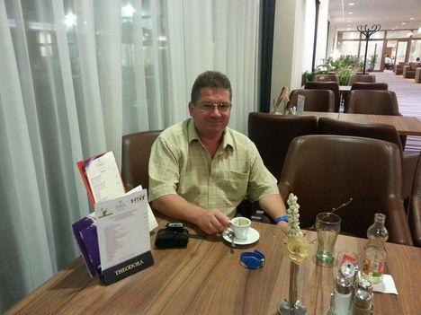 Szegedi kávézó és társalgó ...
