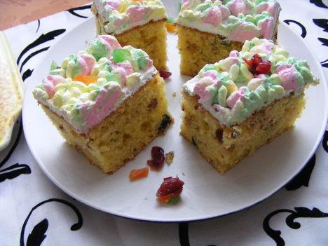 Diós gyümölcsös sütemény