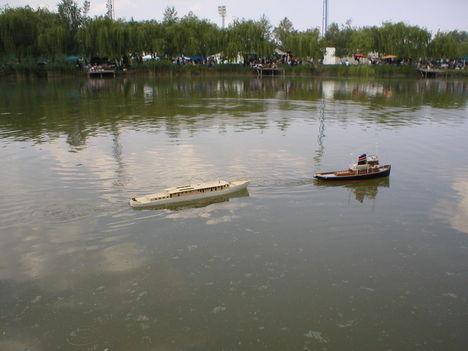 Gyirmóti Aranyhal Tavon. 5. Hajók találkozása.