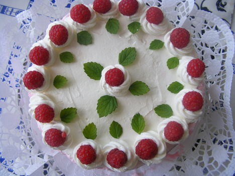 Málna torta sütés-nélkül