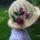 Virágos, sárga kalap