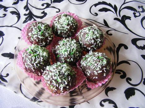 Csokis kókuszos golyók