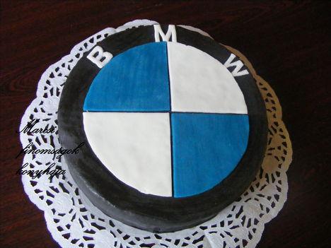B M W torta
