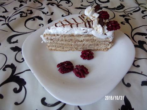 Eszterházy torta szelet