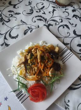 Csirkemell csikok zöldségekkel