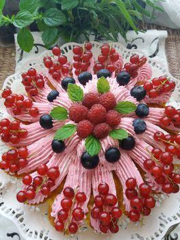 Citromízű málnahabos torta
