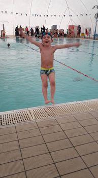 Dávid az úszó