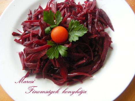Céklás- lilahagymás saláta