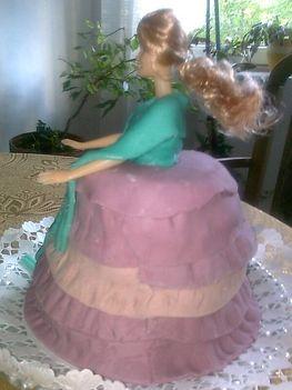 Barbi torta szülinspra