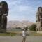 Egyiptom 2007 Memnon kolosszusnál