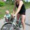 Bence bringázik Apjával