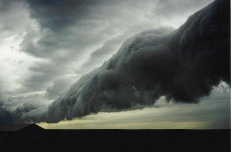 furcsa viharfelhő
