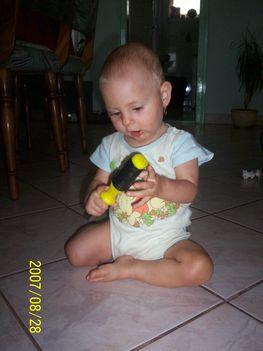 038 - Kis dolgos babám