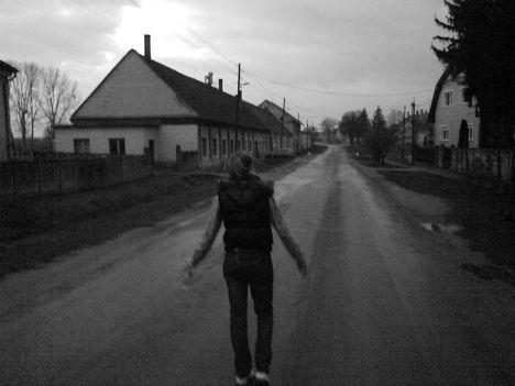 sétálok egyházi citybe