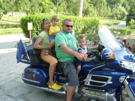 A motoros család
