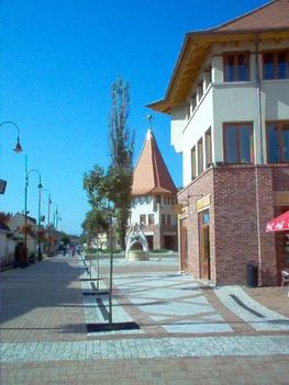 Veresegyhátz-Fő tér