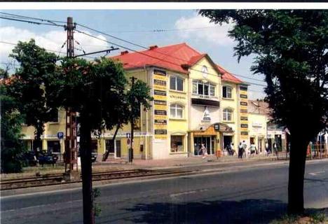 Szarvascsárda-tér