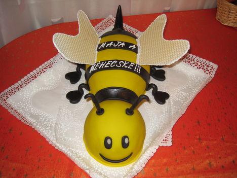 Ő Maja a méhecske