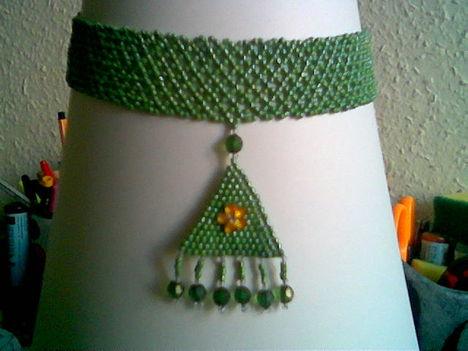 zöld nyakpánt