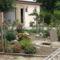 kert és a garázs
