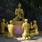Luangi szobrok aranyból
