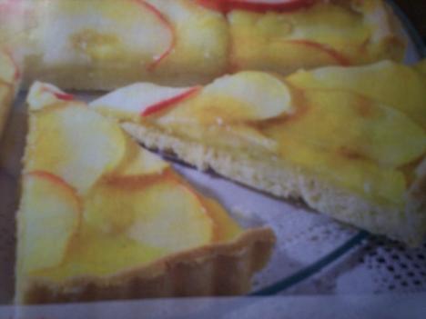 Almás pitetorta