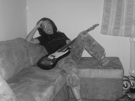 .........gitársuli......