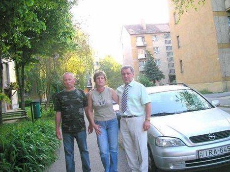 Zsolt , Éva, Bandi Ajkán