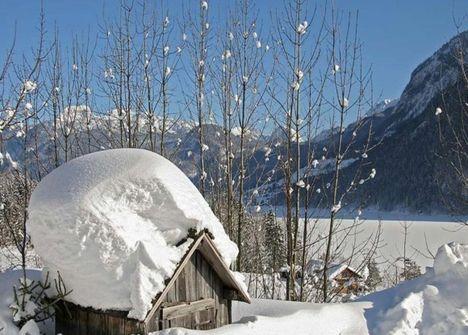 Szépséges kép egy téli a völgyről