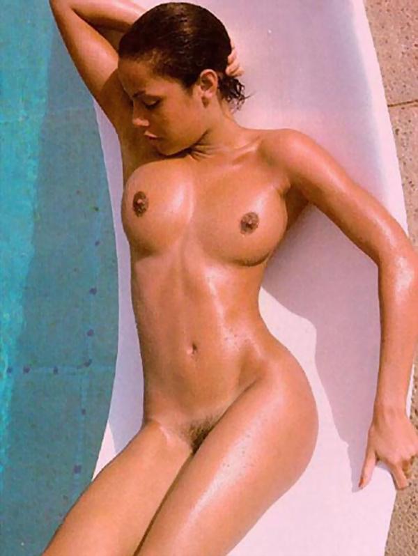 Фото голые джоли