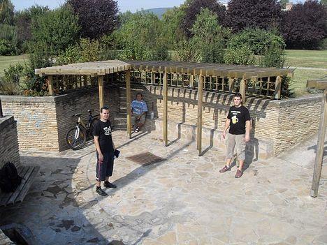 Első pihenőnk - Balatonfüred egyik savanyúvíz forrásánál!