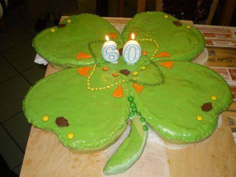 Négylevelű lóhere-torta