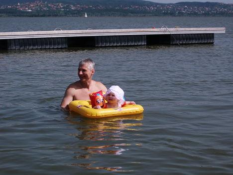 Virág először a Velencei tóban. 3