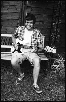 Bazsim, aki mindjárt 21 éves. De honnan a zenei tehetsége?