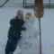 Szabika saját készétésű hóemberrel
