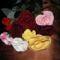 rózsák asztalon