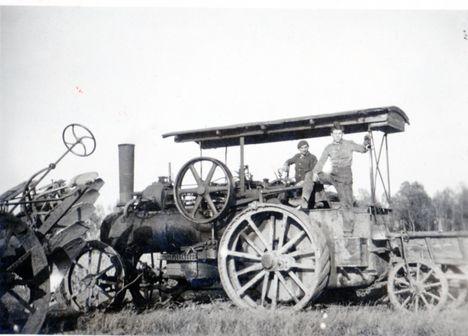 Gőzgép-gőzeke 1945-1950 ,Ábrahám L, Sostarecz K.
