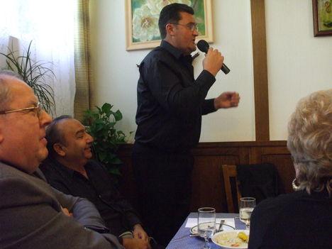 A sósiréti Kastélyban volt a találkozó megnyitója és a résztvevők bemutatkozása.