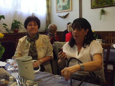 network-ös barátnőim: Anika és Erzsike